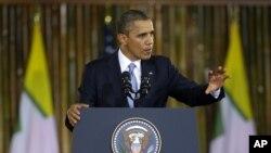აშშ-ს პრეზიდენტი ბარაკ ობამა რანგუნის უნივერსიტეტში სიტყვით გამოსვლისას, ბირმა, 19 ნოემბერი, 2012 წ.
