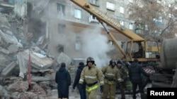 Spasilačke ekipe na mjestu nesreće, Magnitogorsk