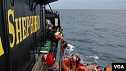 "Para aktivis pelestarian binatang laut ""Sea Shepherd"" akan mencegah pemburuan ikan paus di Jepang."
