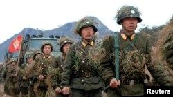 11일 북한 관영 '조선중앙통신'이 공개한 북한 군 훈련 장면..