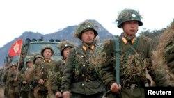 Северокорейская армия готовится к широкомасштаным учениям. КНДР, 11 марта 2013 года