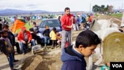 Діти в таборі мігрантів Ідомені на грецько-македонському кордоні