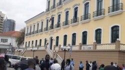 Julgamento de 11 activisas detidos em Luanda adiado para terça-feira - 2:05