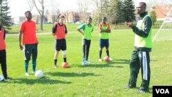 UIsaac Mbedzi labany abadlali beFirst Mobile Sports Academy.