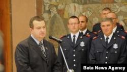 Predsednik Vlade Republike Srbije Ivica Dačić primio je pripadnike Sektora za vanredne situacije koji su bili angažovani na pruzanju pomoći Grčkoj u gašenju požara.