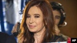 Shugabar kasar Argentina, Cristina Fernandez de Kirchner, wadda ke shirin fara jiyyar cutar sankarar makogwaro a makon gobe