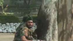 Suspected Separatists Attack Police, Army Bases in Kashmir