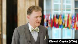 AQSh Davlat kotibining Yevropa va Yevrosiyo masalalari bo'yicha muovini yordamchisi Jorj Kent