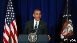 Predsednik Obama na konferenciji za štampu u Kuala Lumpuru u Maleziji