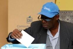 Oposiçao angolana poderá monitorizar eleições em conjunto -2:56