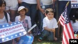 Bajo el proyecto de ley los deportados con hijos estadounidenses podrán regresar a EE.UU.