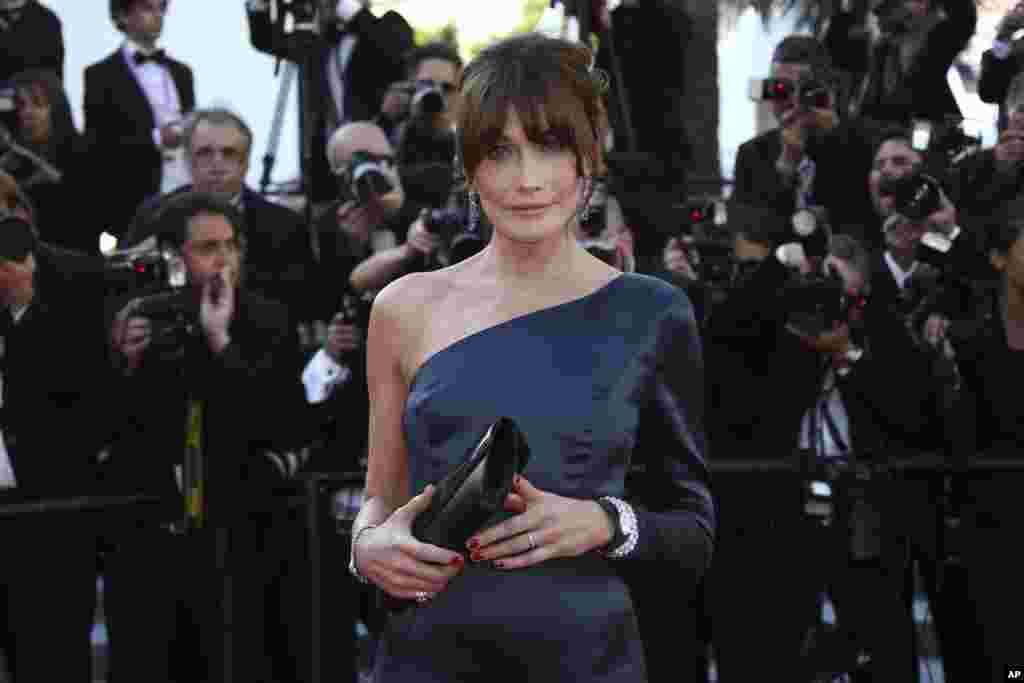 کارلا بروانی- سرکوزی، مدل ایتالیایی و همسر رییس جمهور پیشین فرانسه در جشنوارۀ فلم کن