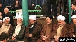محمد خاتمی در مراسم ترحیم هاشمی رفسنجانی در جماران حاضر شده بود