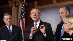 El líder del Senado, Harry Reid, advirtió que EE.UU. no puede dejar de pagar sus deudas y desencadenar una crisis global.