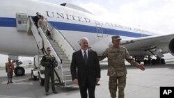 رابرت گیتس وزیر دفاع ایالات متحده به کابل رسیده است.