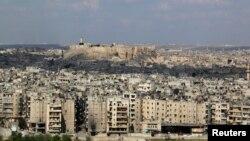 Kota tua dan bersejarah Aleppo dengan citadel, struktur bangunan abad ke-13, 9 April 2014 (Foto: dok).