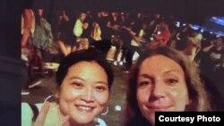 安可馨和张淼在香港采访(照片由安可馨提供)