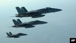 Američki lovci tipa F-18E