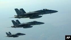 IŞİD hedeflerini vuran Amerikan F-18E Super Hornet uçakları