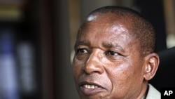 Kenya's Justice Minister Mutula Kilonzo (2010 file photo)