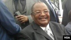 Munyori noona nezvemabasa mubato reZanu PF, Doctor Obert Mpofu.