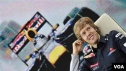 Juara dunia Formula Satu 2010 dan pebalap tim Red Bull asal Jerman, Sebastian Vettel, berbicara dalam konferensi pers di Austria pertengahan bulan ini. Sebastian Vettel adalah juara termuda dalam sejarah Formula Satu.