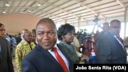 Filipe Nyusi vota na Escola Secundária da Polana, Maputo.