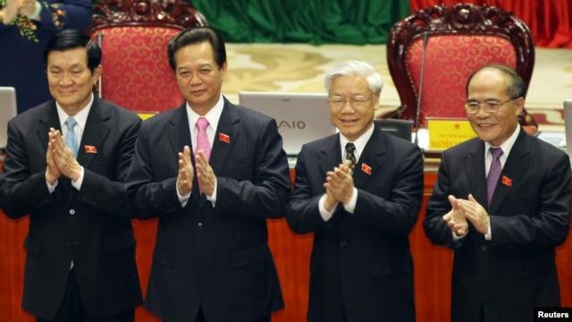 Từ trái: Chủ tịch nước Trương Tấn Sang, Thủ tướng Nguyễn Tấn Dũng, Tổng Bí thư Nguyễn Phú Trọng, Chủ tịch Quốc hội Nguyễn Sinh Hùng.
