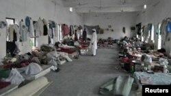 Suasana salah satu ruang penjara di kota Bannu, sepeninggal kaburnya sebagian besar napi (15/4). Militan Taliban menyerang penjara tersebut Minggu dini hari dan membebaskan hampir 400 napi.