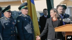 Assistant Secretary for European and Eurasian Affairs Victoria Nuland talks with Ukrainian border guard generals in a State Border Guard Service in Kiev (File).