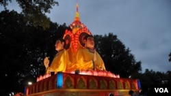 St. Louis Hosts Chinese Lantern Festival, June 5, 2012