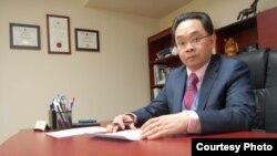 Luật sư Vũ Đức Khanh, giáo sư luật tại Đại học Ottawa và là nhà quan sát tình hình Biển Đông.