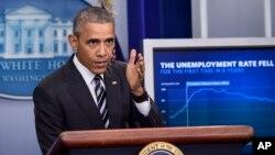 آقای اوباما می گوید که آمریکا در حال حاضر قوی ترین اقتصاد جهان را دارد.