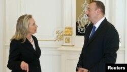 Хиллари Клинтон и Ильхам Алиев