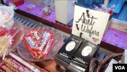 미국 웨스트버지니아주 하퍼스페리에 위치한 '트루 트릿' 캔디 가게에서 개미 사탕 등 독특한 사탕을 판매하고 있다.