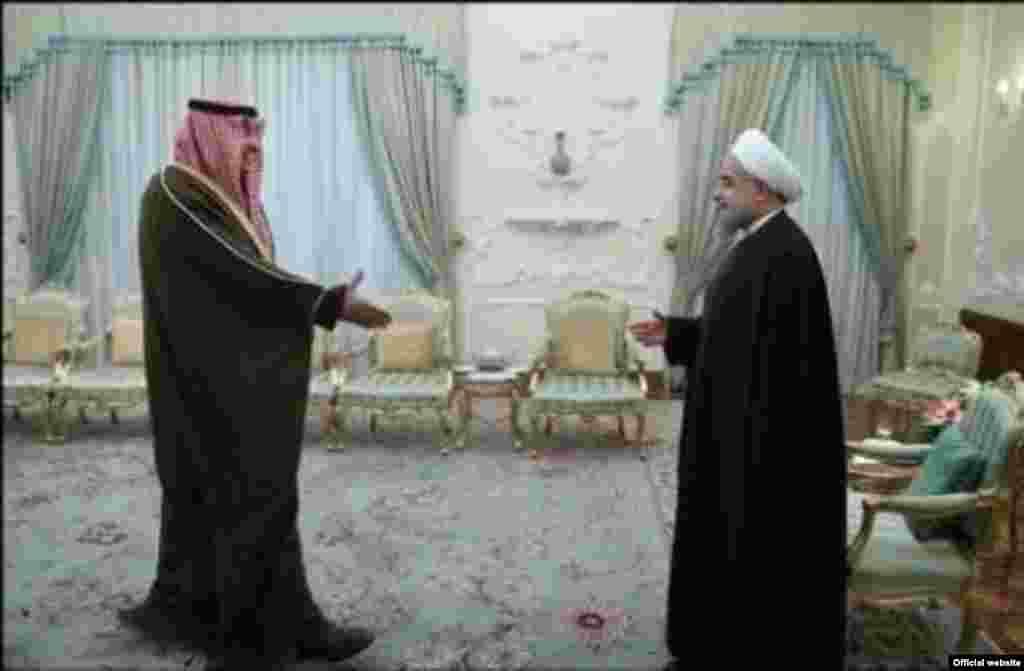خالد الصباح، وزیر خارجه کویت در حالی به دیدار مقام های ایران آمد که پیشتر روحانی گفته بود کویت بین ایران و عربستان میانجی می شود.