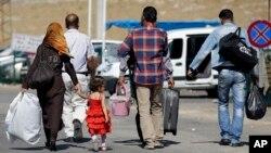 Sirijske izbeglice prelaze granicu sa Turskom