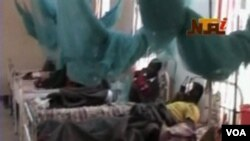 Para korban luka-luka akibat bentrokan antar agama dirawat di rumah sakit kota Jos, Nigeria tengah.