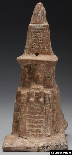 This is a ceramic model of an Aztec temple from Mexico, A.D. 1400-1521. (Credit: Metropolitan Museum of Art)