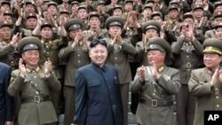 Bắc Triều Tiên đã tiến hành một loạt những vụ cải tổ nhằm tăng cường sự kiểm soát của ông Kim Jong Un đối với quân đội gồm 1 triệu 200 ngàn binh sĩ.