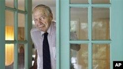 Nhà báo Stanley Karnow tại tư gia ở Potomac, Maryland (hình chụp ngày 20/8/2009)