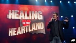 El popular Blake Shelton lanzará nueva producción en el mercado estadounidense.