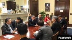 미 상원 외교위원회 동아태소위원장인 코리 가드너 의원이 2일 워싱턴을 방문한 정경두 한국 국방장관과 만나 미-한 동맹 강화와 대북 압박 유지 방안을 논의했다.