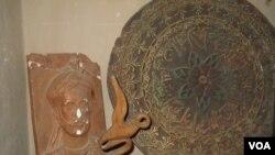 حکاکی ها در ارگ هرات