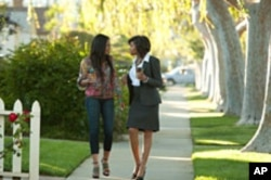 Candace (Regina Hall) and Lauren (Taraji P. Henson) in Screen Gems' THINK LIKE A MAN.