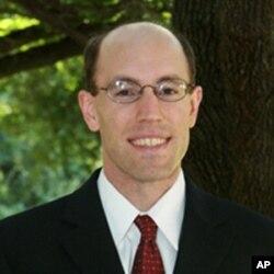 南方卫理公会大学法学院副教授杰弗里•贝林