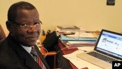 Lambert Mende, porte-parole du gouvernement de la République Démocratique du Congo. N.Pinault/VOA