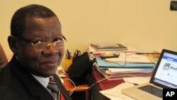 Le ministre Lambert Mende a dit à la VOA que certains blessés seront transportés ce lundi en Afrique du Sud