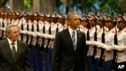Preesidaanti Kubaa Raawul Kaastiroo (Mirga), fi preesidaanti Yunaaytid Isteets Baaraak Obamaa (Bitaa), Masaaraa Mootummaa Kuubaa, Bitooteessa 21,2016