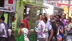 Warung Mobil Jual Makanan Halal - Liputan Feature VOA